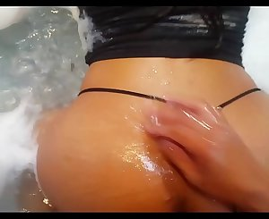 Amateur latina duo fucking in the jacuzzi of a guest palace
