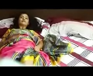 Desi aunty force to a boy for sex