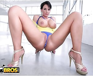 BANGBROS - PAWG Phoenix Marie Gets Her Big Butt Fucked